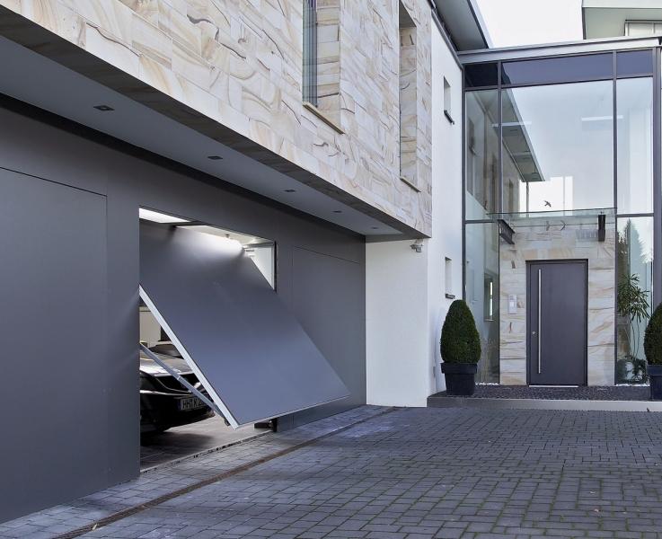 Porte de garage entièrement sécurisée